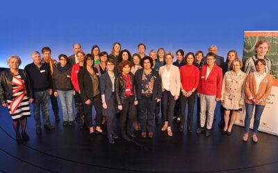 Mit Klick auf das Gruppenfoto der Landesinitiativemitglieder gelangen Sie zum Beitrag über die Arbeitsgruppen der Landesinitiative.