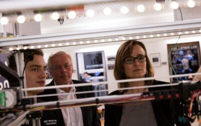 Staatssekretärin Katrin Schütz zu Besuch im AEROSPACE LAB