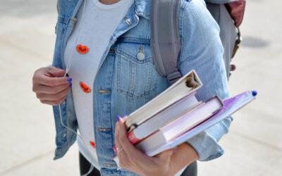 Faktenblatt der Initiative Klischeefrei: Fächerwahl und Schulleistungen bei Mädchen und Jungen