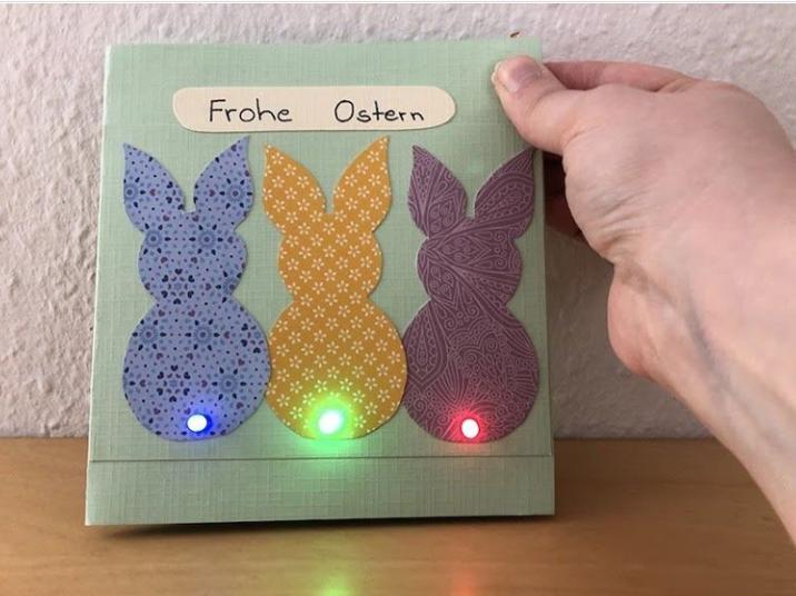 Selbstgebastelte Osterkarte mit Lichteffekten