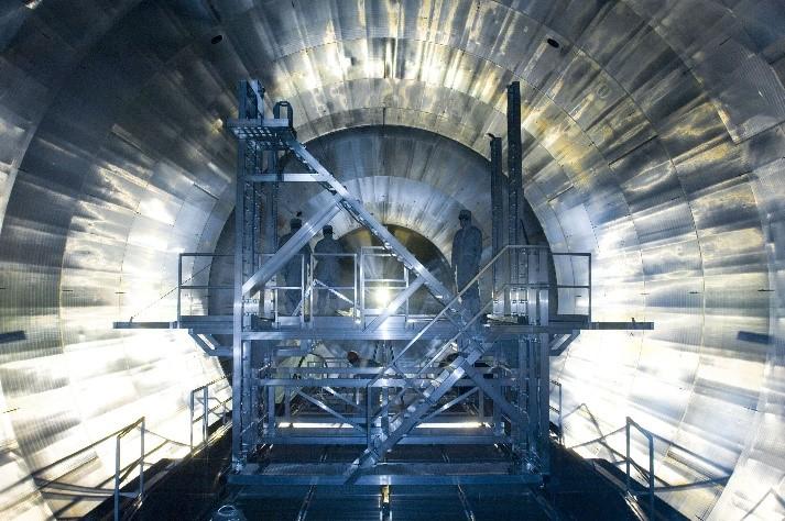 Das Bild zeigt das physikalische Innenleben des internationalen Großexperiments Karlsruhe Tritium Neutrino Experiment (KATRIN) am Karlsruher Institut für Technologie (KIT).